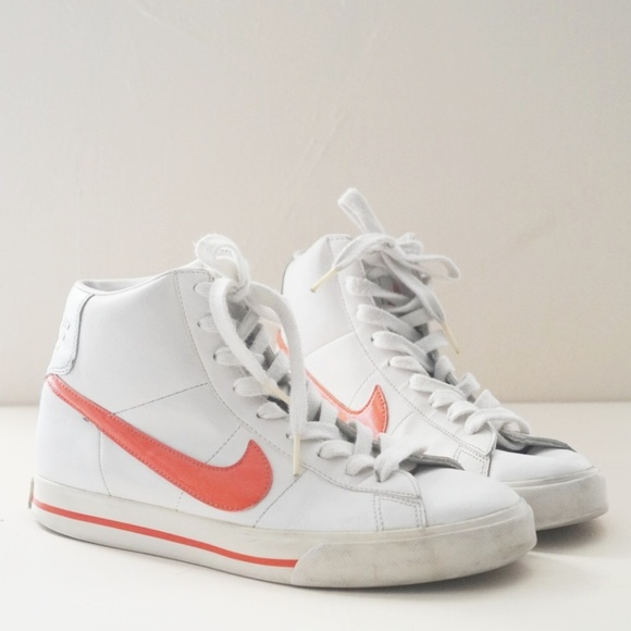 Nike Shoes - Retro Nike BRS White Leather High Top Sneakers